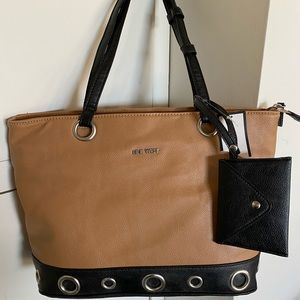 Nine West Bucket shoulder purse